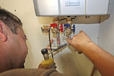 sửa chữa bình nóng lạnh Ariston tại Ciputra Tây Hồ