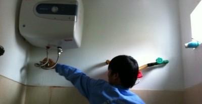 Chiêu trò của các dịch vụ sửa bình nóng lạnh Ariston không uy tín