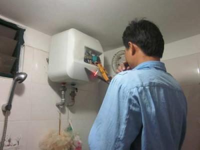 Sửa bình nóng lạnh Ariston không lên đèn báo hiệu khi hoạt động